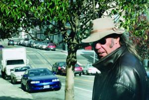Neil Young haastaa Donald Trumpin oikeuteen musiikkinsa luvattomasta käytöstä kampanjoinnissa