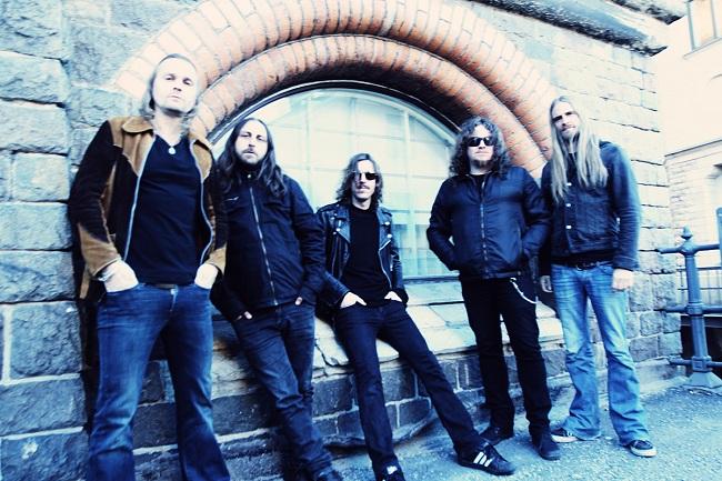 Opethin vanhoja faneja hemmotellut juhlakeikka oli väkevä...